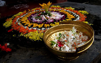 Presenting you the Onam 2017 dates which is also known as Thiruvonam