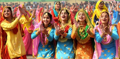 Teej or Teeyan festival is celebrated in Punjab with Giddha (traditional dance).